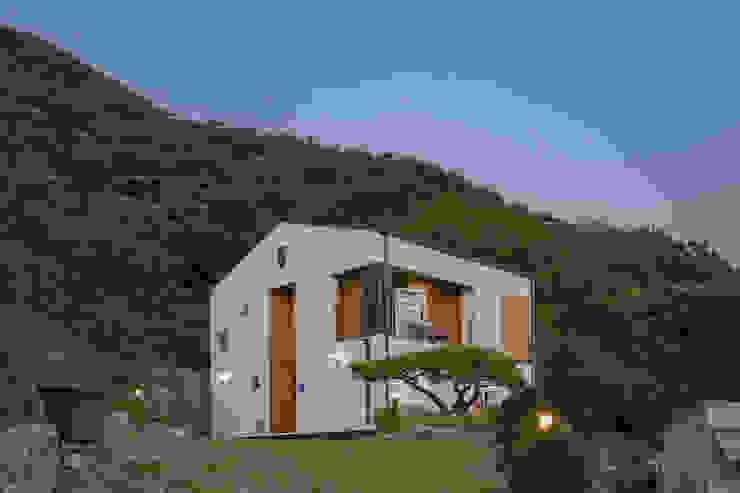 순환구조가 돋보이는 모듈화주택 by 공간제작소(주) 모던