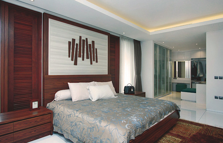 Sukamulya House - Bandung Kamar Tidur Tropis Oleh CV Berkat Estetika Tropis Kayu Wood effect