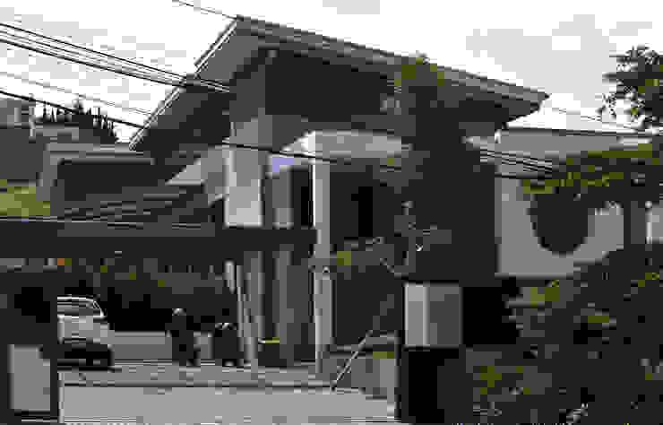 Q-House Bandung Oleh CV Berkat Estetika Tropis Beton Bertulang