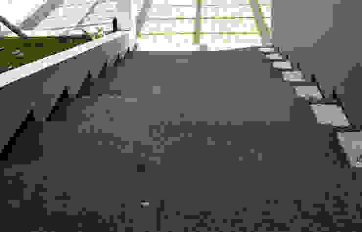 Q-House Bandung Oleh CV Berkat Estetika Tropis Batu