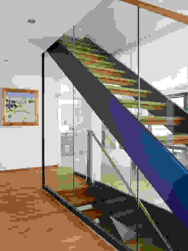 Baufritz House Bond Baufritz (UK) Ltd. Windows & doors Windows Glass Grey