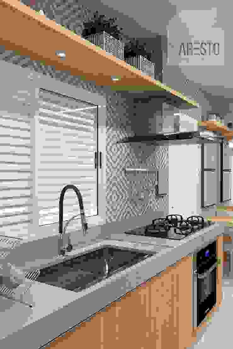 by Aresto Arquitetura Modern