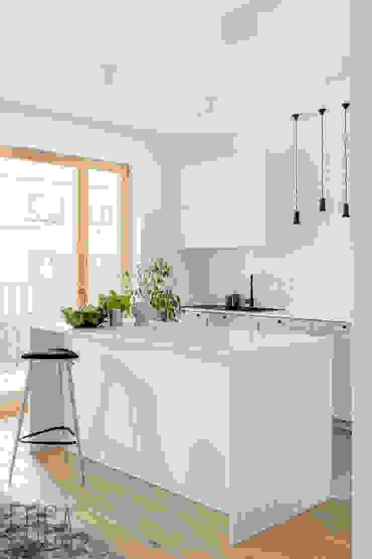 Fuga Architektura Wnętrz Cucina minimalista