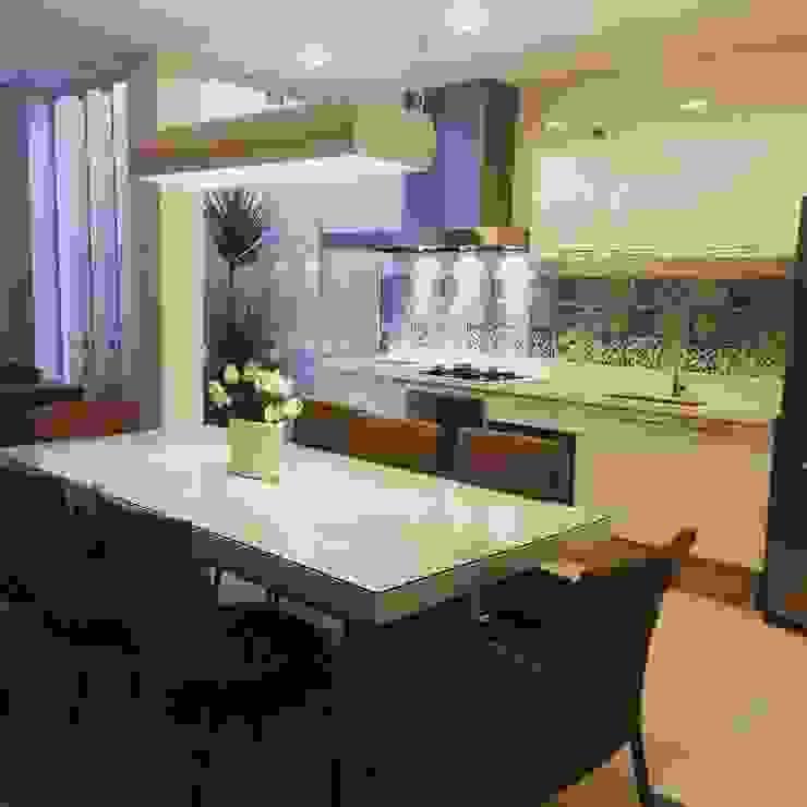 Catini & Catini arquitetura Cucina moderna