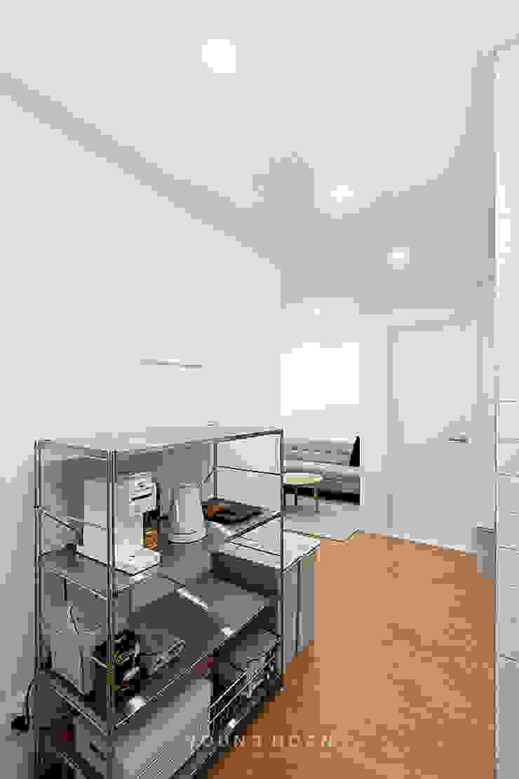 12PY 잠실 리센츠 아파트 인테리어 _ 좁은 공간을 활용한 신혼부부의 공간 인테리어 모던스타일 주방 by 영훈디자인 모던