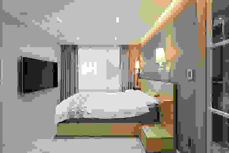 43PY 도곡렉슬 _ 수납공간으로 완성된 품격 있는 모던 아파트 인테리어 모던스타일 침실 by 영훈디자인 모던