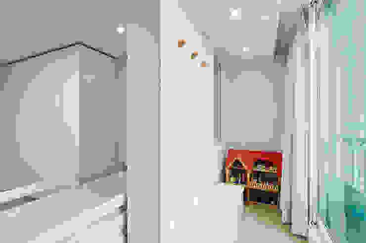 43PY 도곡렉슬 _ 수납공간으로 완성된 품격 있는 모던 아파트 인테리어 모던스타일 아이방 by 영훈디자인 모던