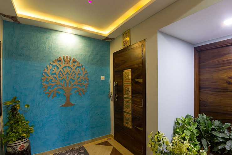 Residential Project - Bedroom:  Corridor & hallway by Taayan Designs,