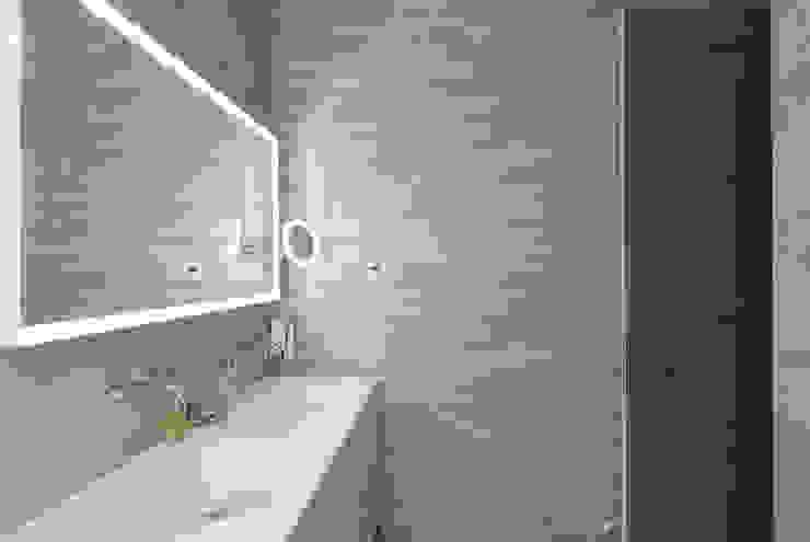 Moderne Badezimmer von Urbana Interiorismo Modern