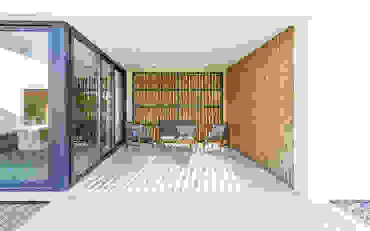Balcones y terrazas modernos de [i]da arquitectos Moderno Madera Acabado en madera