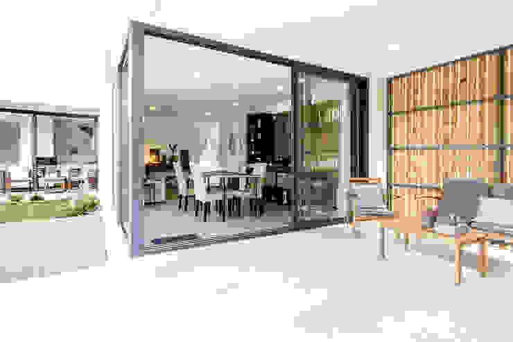 Patios & Decks by [i]da arquitectos, Modern