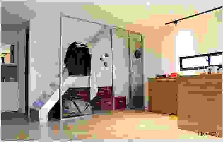 樓梯及下方收納空間 根據 光合作用設計有限公司 現代風 金屬