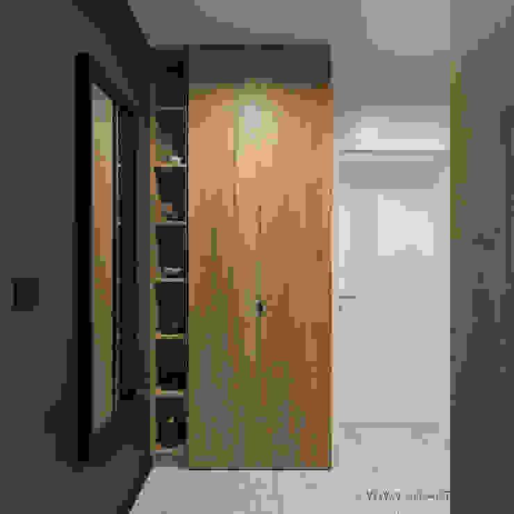 MIRAI STUDIO Ingresso, Corridoio & Scale in stile moderno