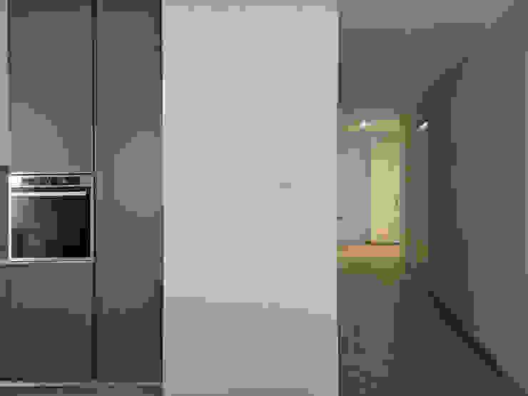 _LINEA_ Design e minimalismo nel quartiere di Castelletto, Genova di Giulia Grillo Architetto Minimalista