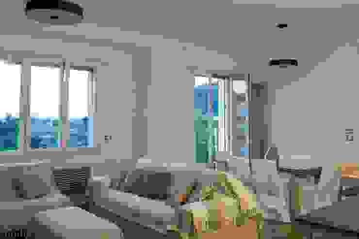 Simona Muzzi Architetto Modern Living Room Wood
