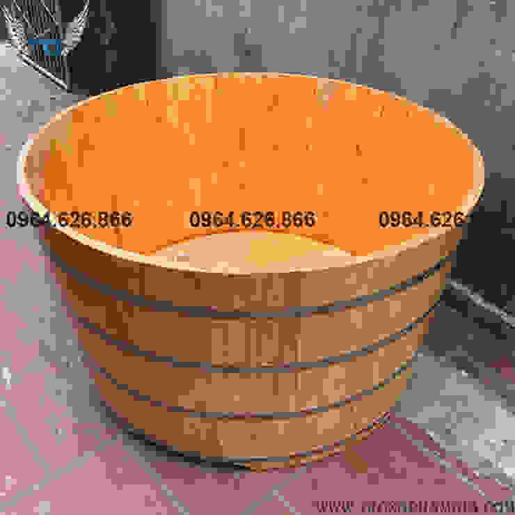bồn tắm gỗ thông tròn: Châu Á  by Trống Phạm Gia, Châu Á