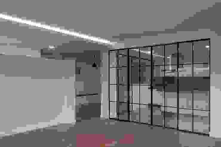 Salón Puertas modernas de SA31ARQUITECTURA Moderno