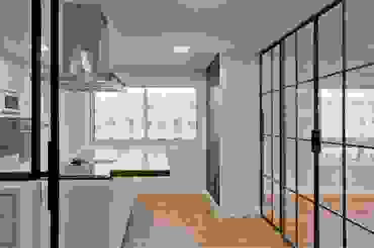 Cocina Cocinas de estilo moderno de SA31ARQUITECTURA Moderno