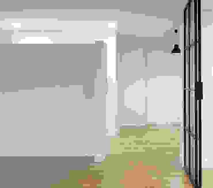 Vestíbulo Pasillos, vestíbulos y escaleras de estilo moderno de SA31ARQUITECTURA Moderno