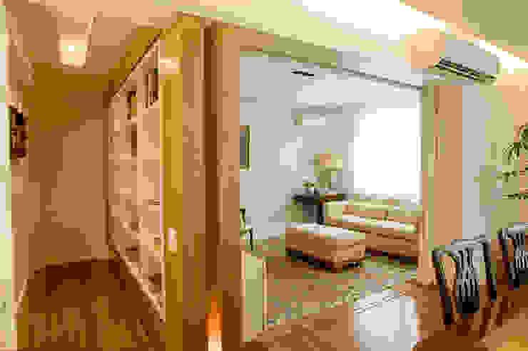 Apartamento LAC Salas de estar clássicas por Viviane Cunha Arquitetura Clássico