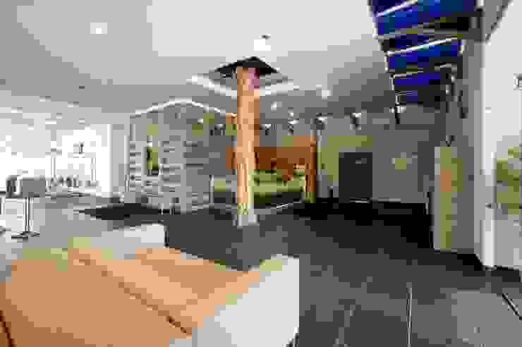 Spa moderno por дизайн-группа 'Лестница' Moderno