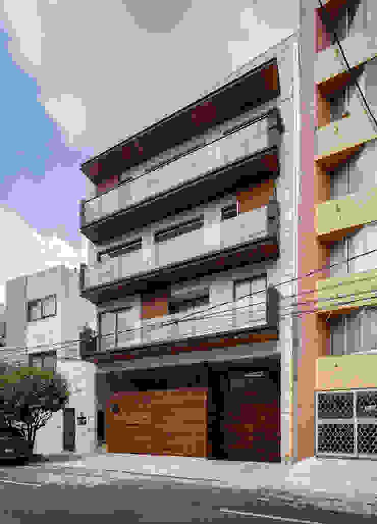 VIVIENDA MULTIFAMILIAR EL ÁLAMO - ARQUITECTOS ASOCIADOS RODRIGUEZ 955 758 169 de Arquitectos Asociados Rodriguez