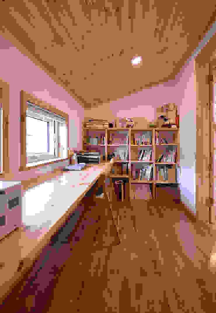 木の家株式会社 ห้องทำงาน/อ่านหนังสือ ไม้