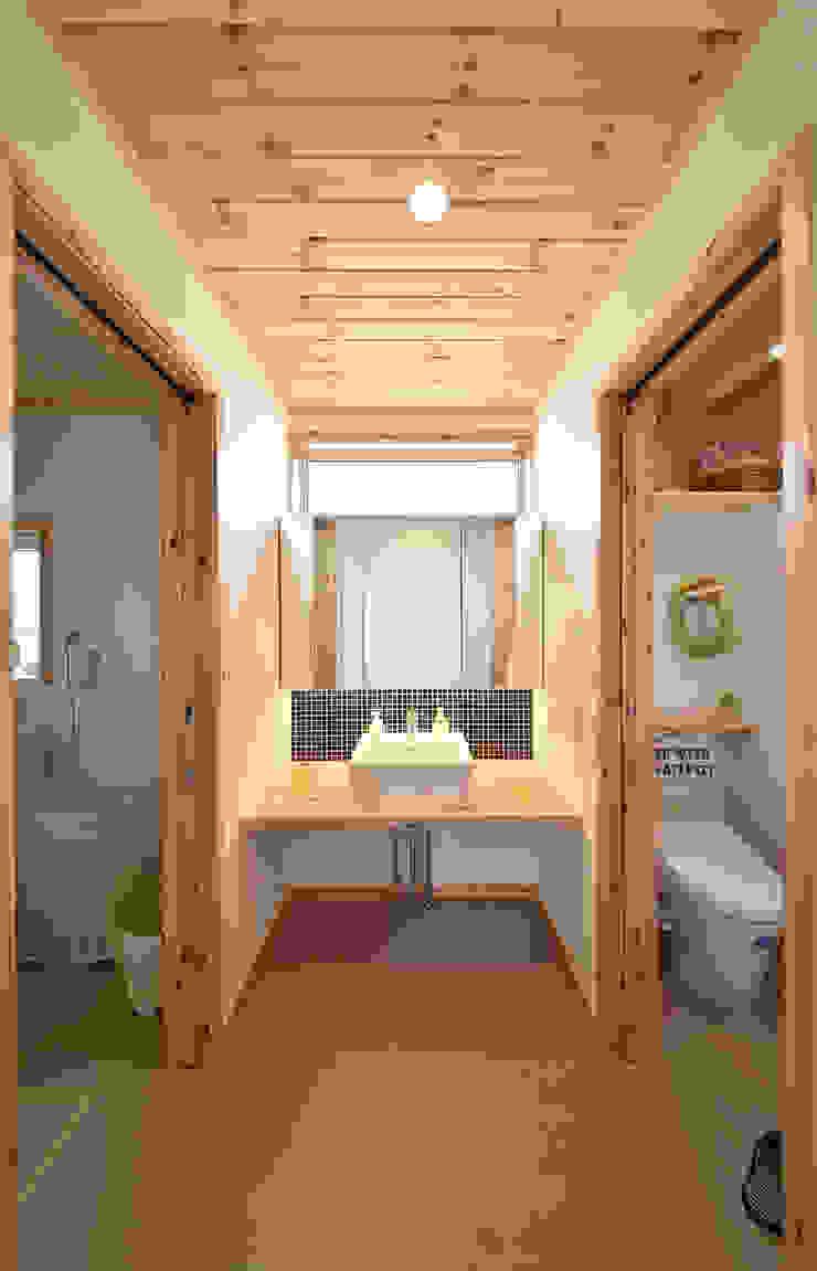 木の家株式会社 Moderne Badezimmer Holz