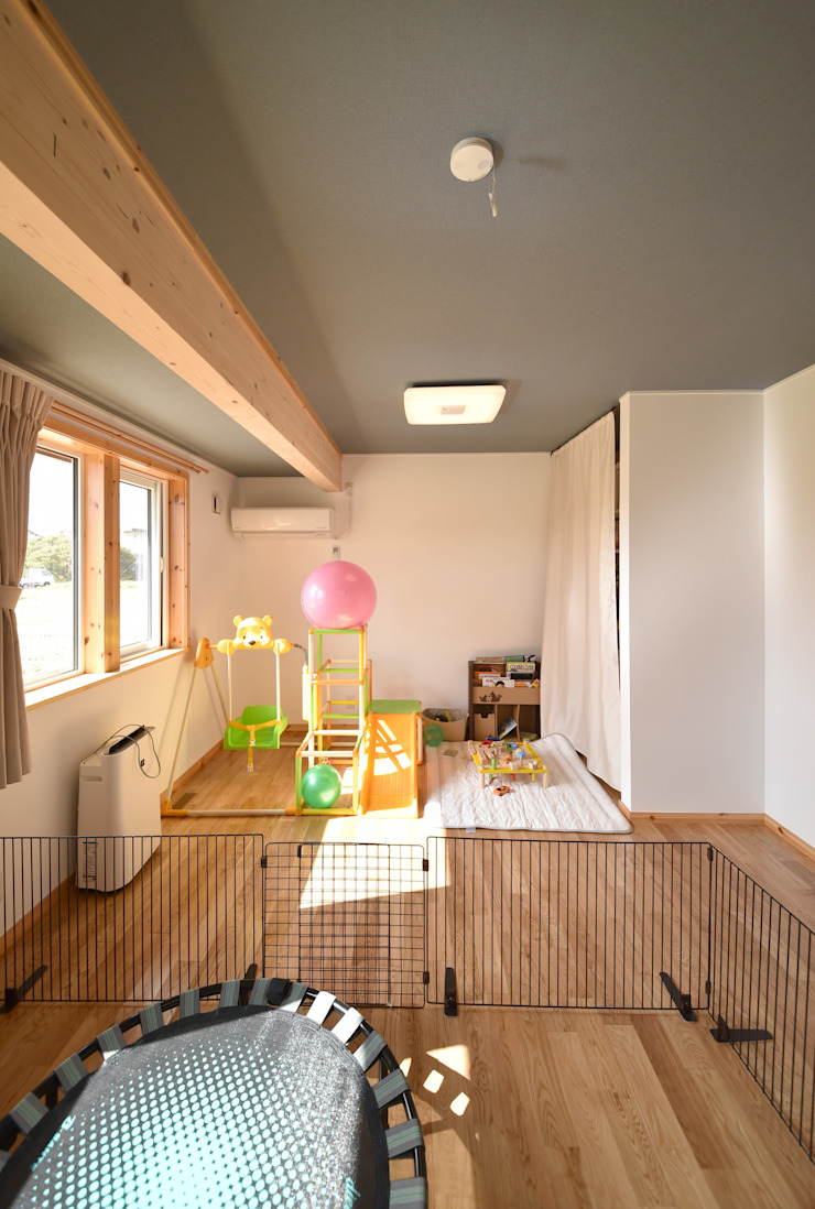 木の家株式会社 Moderne Schlafzimmer Holz