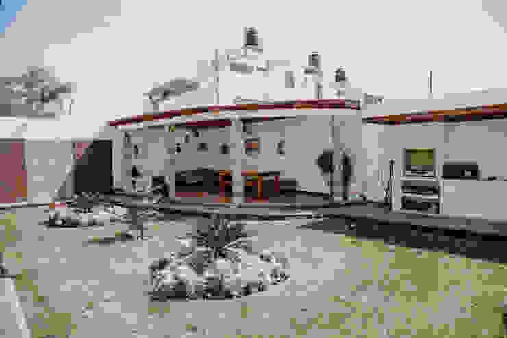 VIVIENDA UNIFAMILIAR VISTA ALEGRE Casas modernas: Ideas, diseños y decoración de Estudio de Arquitectos Zulueta y Álvarez SAC Moderno