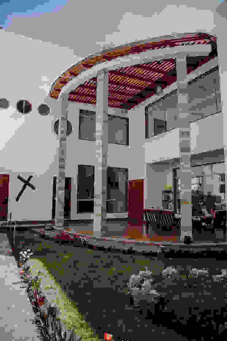 VIVIENDA UNIFAMILIAR VISTA ALEGRE Jardines de estilo moderno de Estudio de Arquitectos Zulueta y Álvarez SAC Moderno