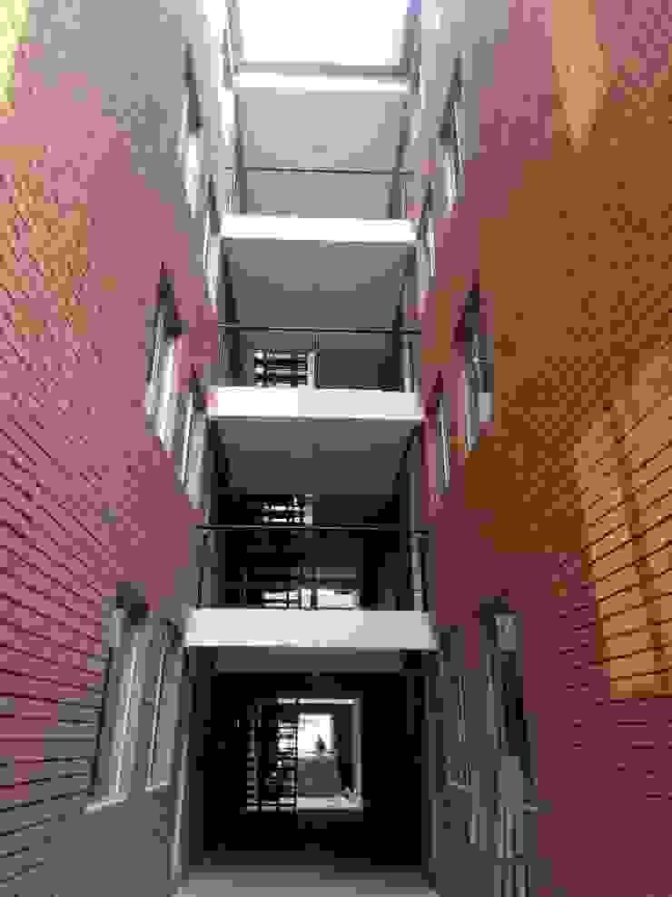 Fachada Casas de estilo minimalista de Dic Arquitectos Minimalista Ladrillos