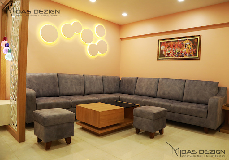 Living room with sofa arrangment Minimalist living room by Midas Dezign Minimalist
