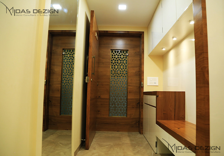 Entrance Asian style corridor, hallway & stairs by homify Asian
