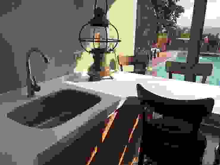 Accesorios Balcones y terrazas rústicos de AUTANA estudio Rústico Cuarzo