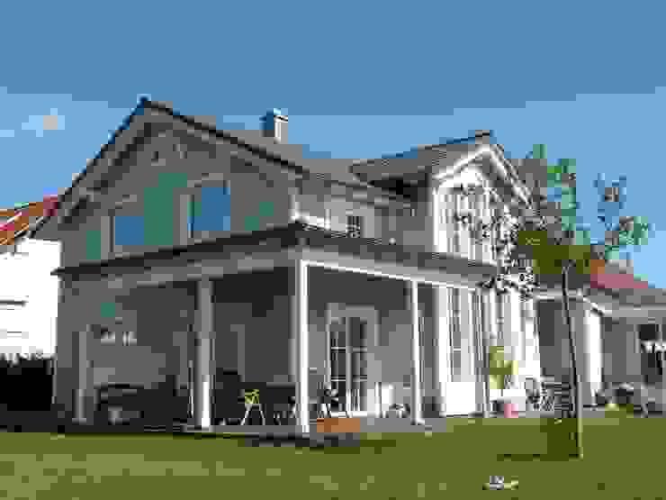 Veranda und amerikanischer Stil - Entwurf by S2 Klassische Häuser von homify Klassisch Holz Holznachbildung