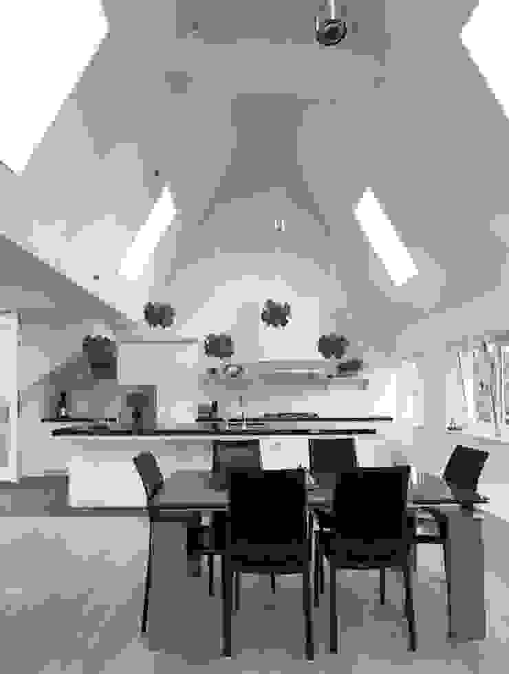 living on top floor Klassieke eetkamers van Dineke Dijk Architecten Klassiek