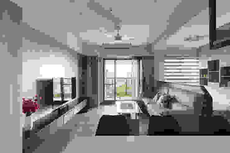 大範圍客廳 现代客厅設計點子、靈感 & 圖片 根據 元作空間設計 現代風