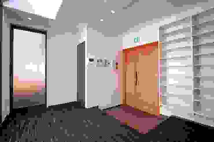 東京デザインパーティー|照明デザイン 特注照明器具 Asian style corridor, hallway & stairs
