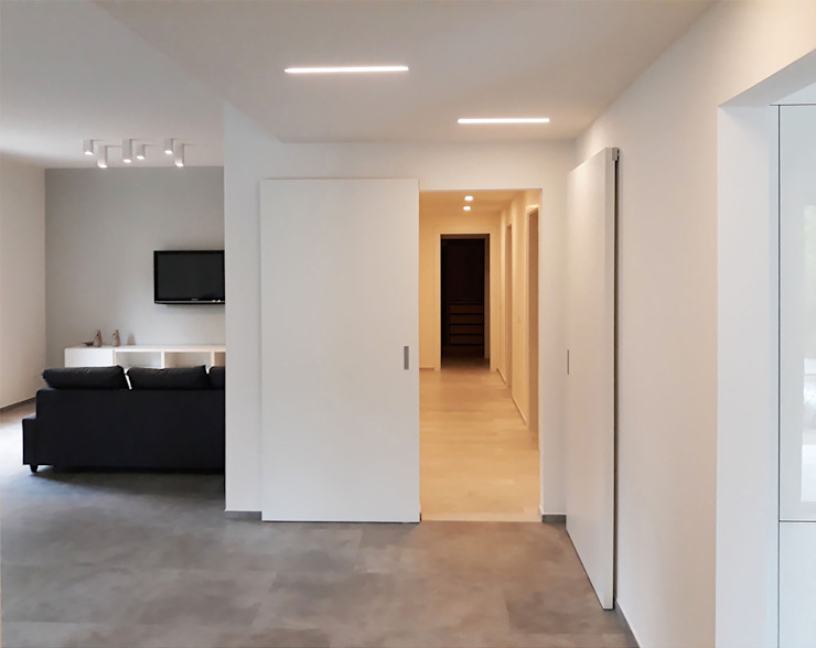 Laboratorio Creativo Up Minimalist corridor, hallway & stairs