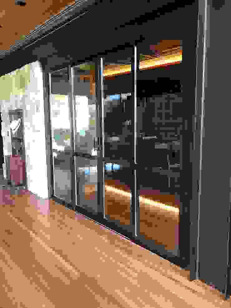 Gibeli Refrigeração ที่เก็บไวน์ กระจกและแก้ว