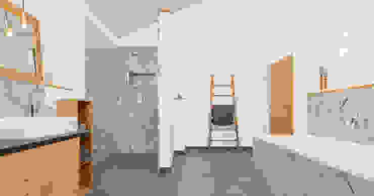 Modern style bathrooms by Bau-Fritz GmbH & Co. KG Modern