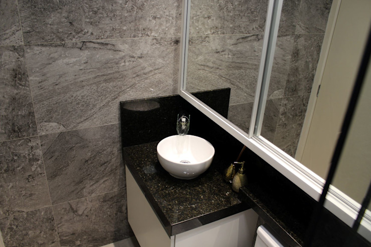 Bathroom by Tiede Arquitetos, Modern Granite
