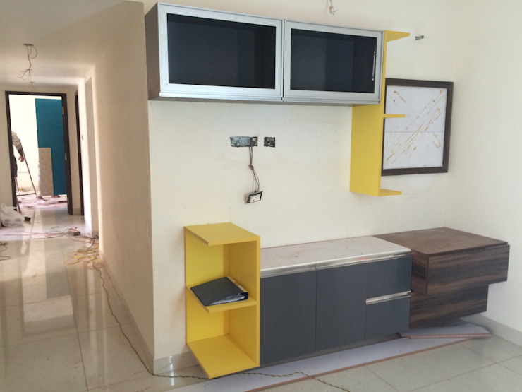 Mr. Anantakrishnan's residence Modern dining room by The Yellow Ink Studio Modern