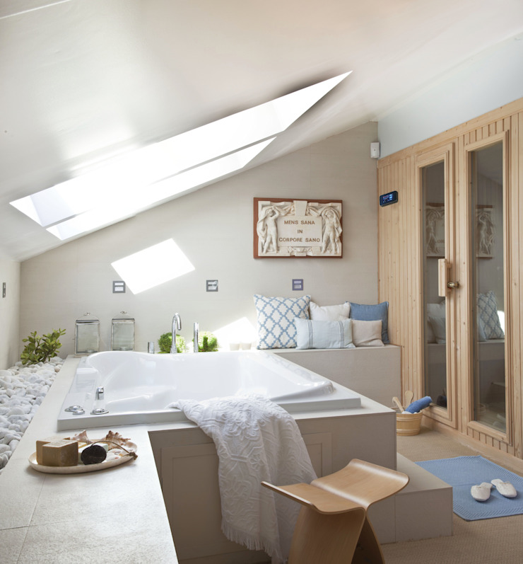 sauna de interior incorporada al lavabo de Saunas Durán Escandinavo