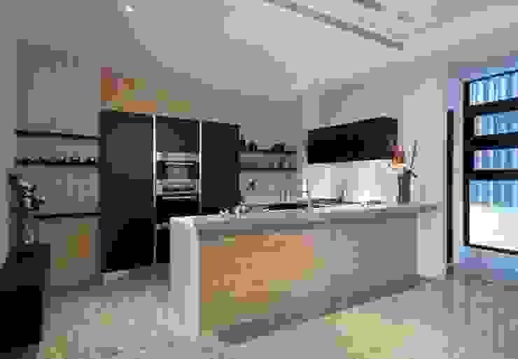 室內設計北歐風:  系統廚具 by 大桓設計顧問有限公司,