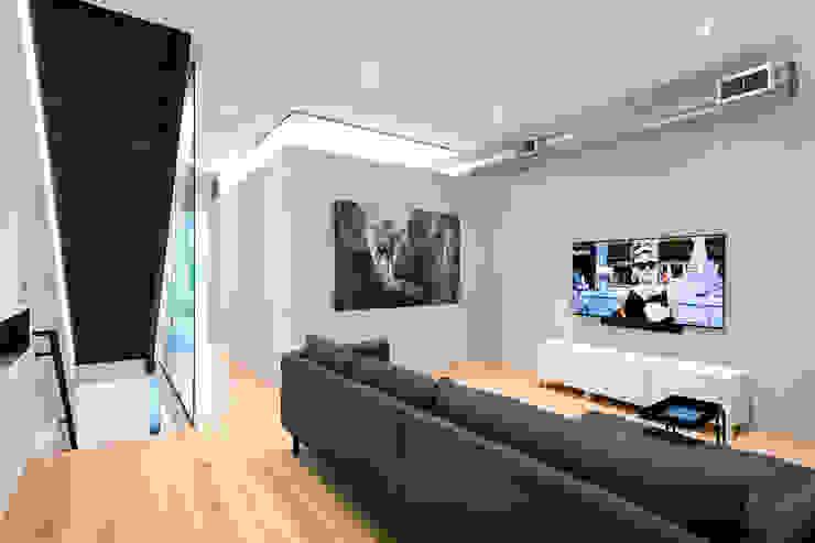 Modern Multimedya Odası KUBE Architecture Modern