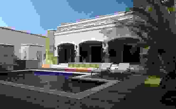 Sonora : Albercas de jardín de estilo  por OLLIN ARQUITECTURA ,