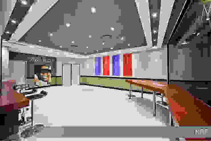 Edifícios comerciais modernos por Nuclei Lifestyle Design Moderno