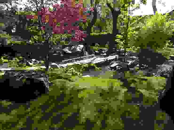 by Jardines Japoneses -- Estudio de Paisajismo Asian